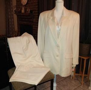 Liz Claiborne winter white blazer